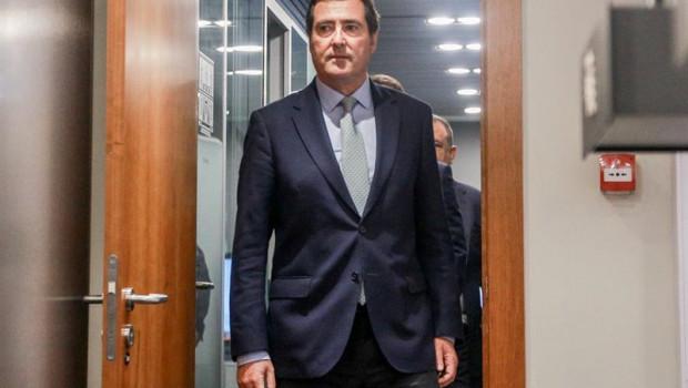 ep el presidente de la patronal ceoe antonio garamendi se dirige a ofrecer una rueda de prensa en