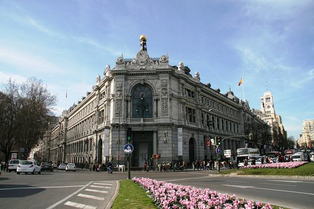 https://img4.s3wfg.com/web/img/images_uploaded/0/4/imagen-sede-central-banco-espana_0.jpg