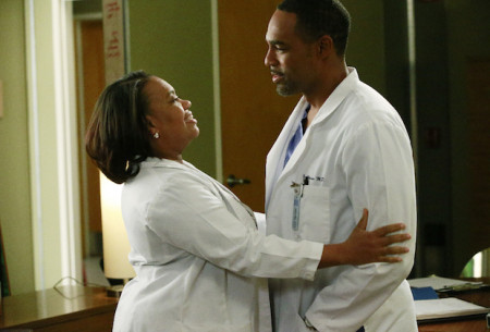 1-greys-anatomy-season-14-spoilers-chandra-wilson-jason-george-450x305