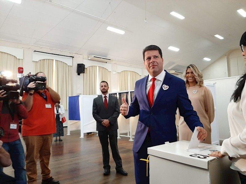 ep fabian picardo vota en las elecciones de gibraltar 2019