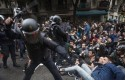 spanish police beating protestors barcelona referendum