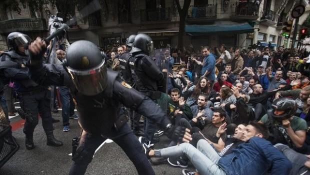 spanish police beating protestors barcelona referendum