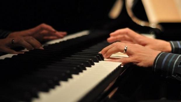 ep piano musica