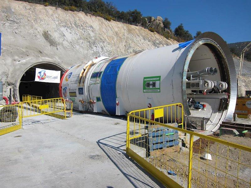 ep tunel de la interconexion electrica entre espana y francia en la jonquera