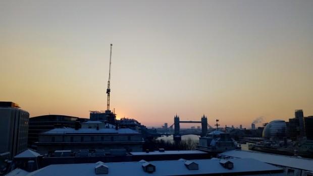 london sunrise snow