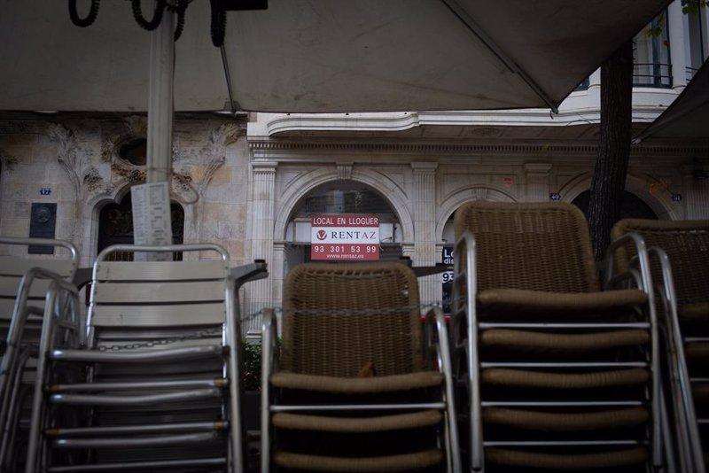 Más toque de queda y castigo a la hostelería: así batallan las CCAA contra la tercera ola
