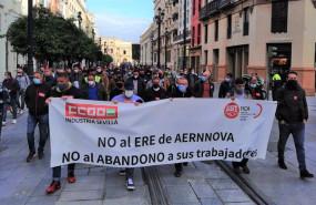 ep manifestacion de ccoo y ugt para exigir la retirada del ere de aernnova foto de archivo