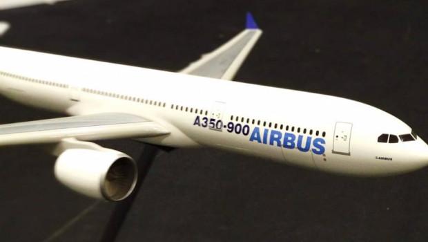 ep miniatura de un avion de airbus