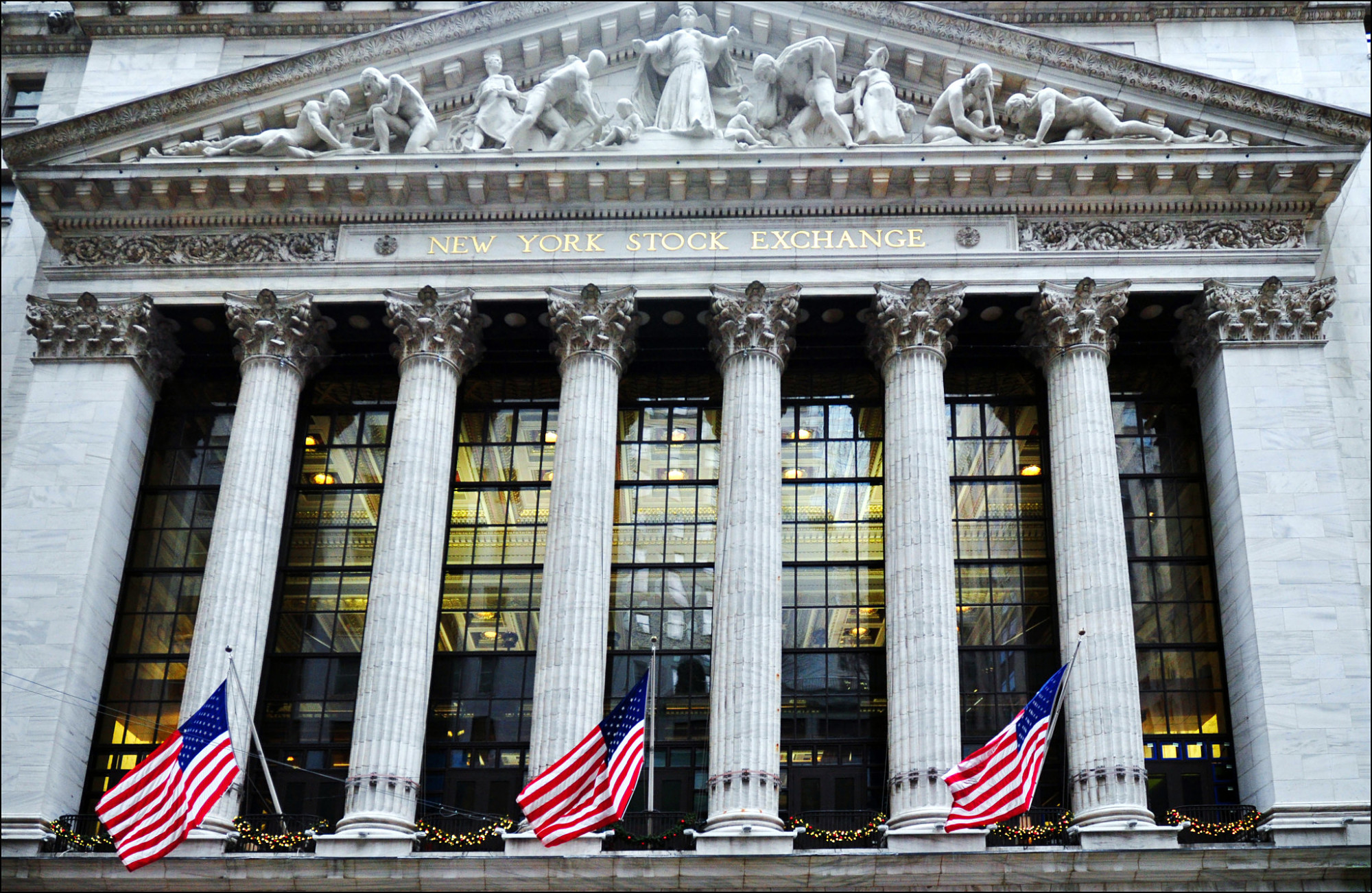 Miércoles negro en Wall Street  el Nasdaq se hunde un 4% y el Dow Jones un  3% - Bolsamanía.com 73a7a37a1ac