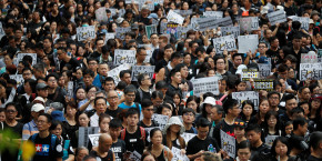 week-end-sous-tension-a-hong-kong-ou-les-enseignants-manifestent