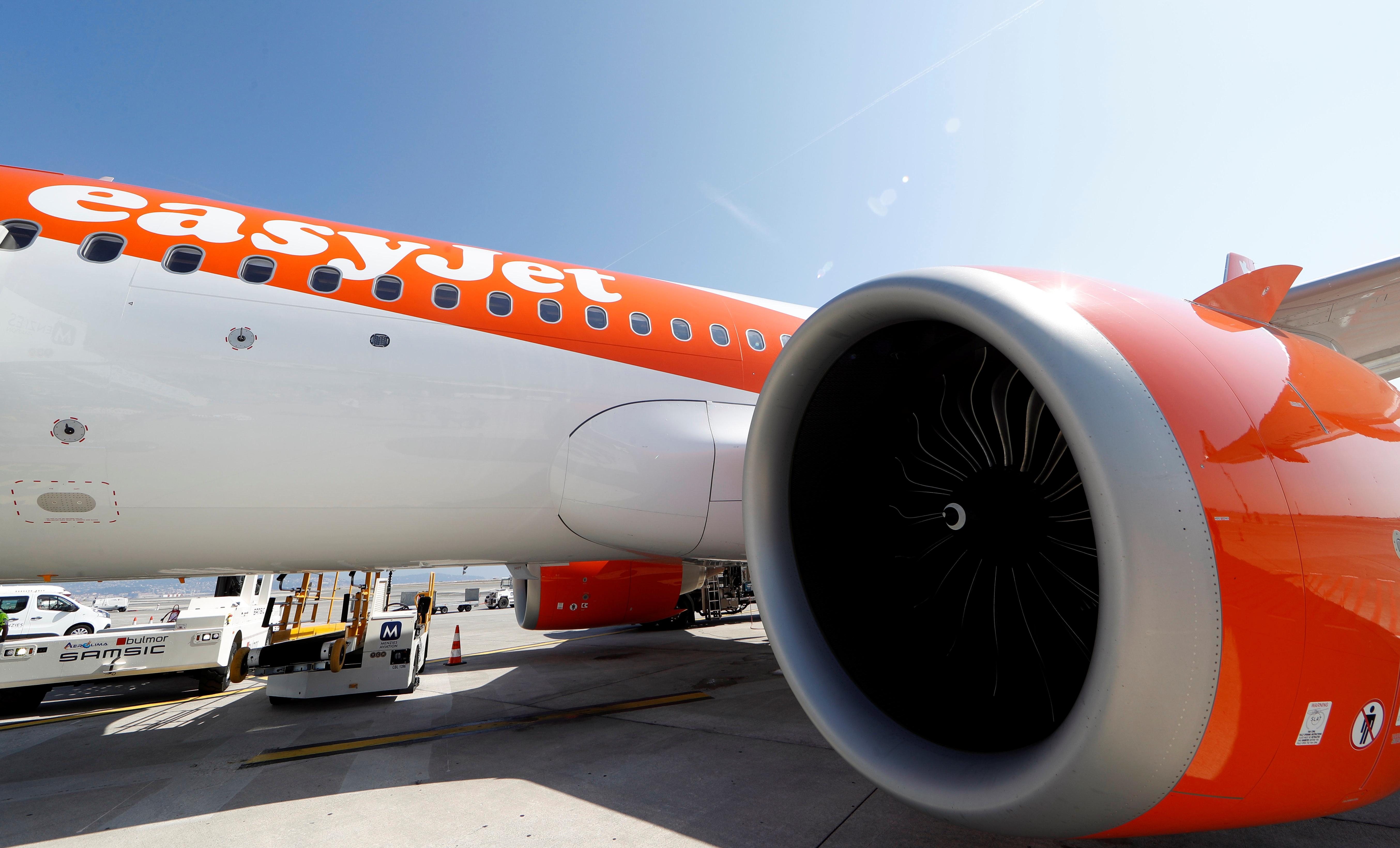 Easyjet sube un 4,62% tras revisar al alza sus previsiones para el primer semestre