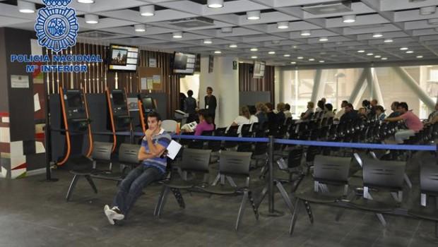 Pdecat pide explicaciones por la lista de espera para for Oficina madrid tetuan dni