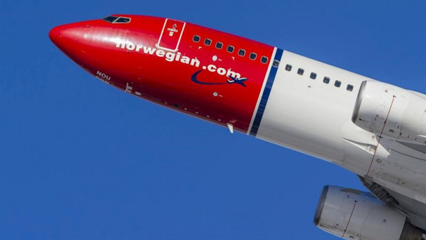 ep imagen de una avion de norwegian