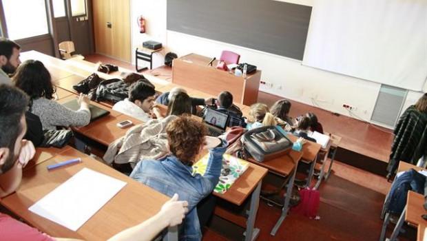 ep universidad estudiantes clases libros profesora lorenzana pizarra