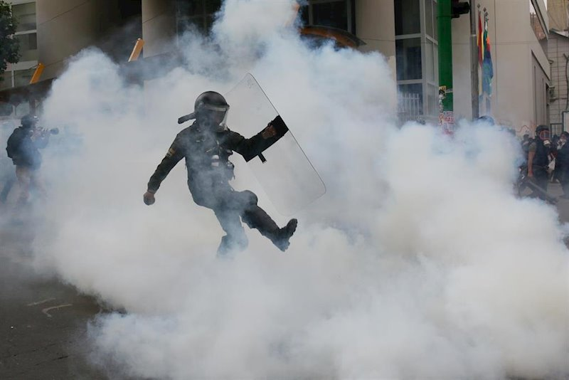 ep gas lacrimogeno empleado por la policia en la paz