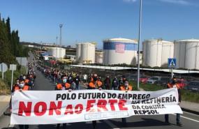 ep manifestacion de trabajadores de la refineria de a coruna en rechazo al erte