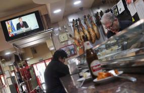 ep un bar tipico espanol un dia antes del cierre de toda la hosteleria en madrid como medida para