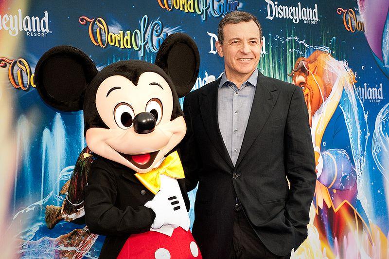 Disney cae tras la renuncia de Bob Iger renuncia como CEO de la compañía