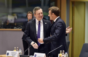 ep 21 june 2019 belgium brussels european central bank preident mario draghi l sjakes hands with president of france emmanuel macron during the second day of the eu summit photo pool eric vidalbelgadpa