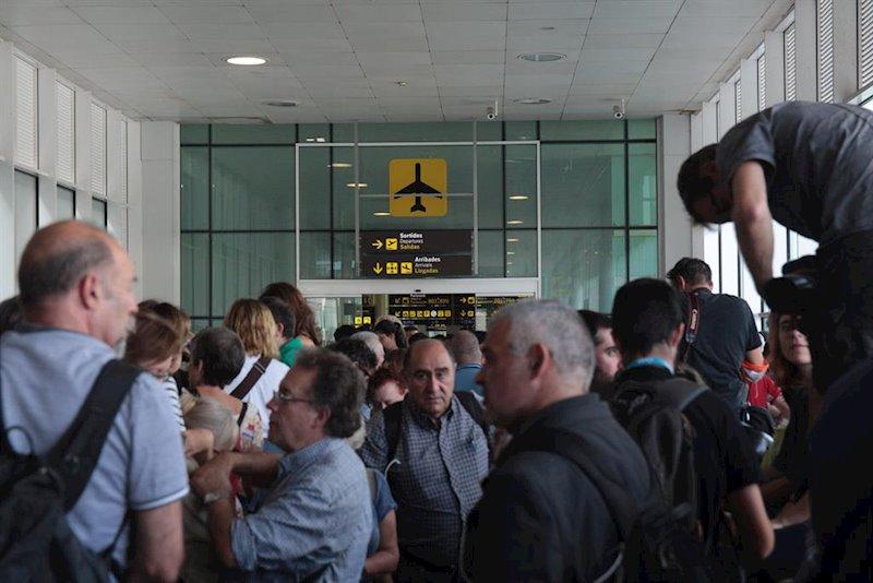 ep concentracion en el aeropuerto de barcelona