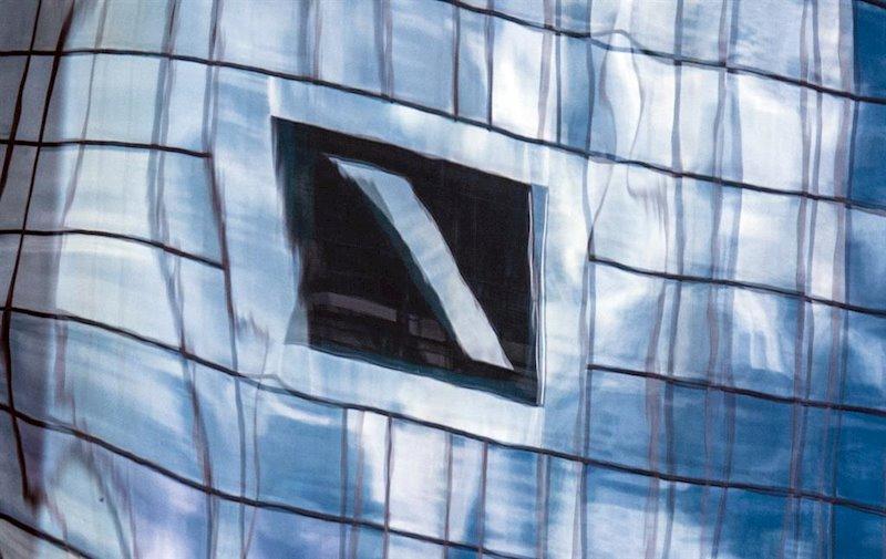 ep logo de deutsche bank en las oficinas de su sede en frankfurt alemania