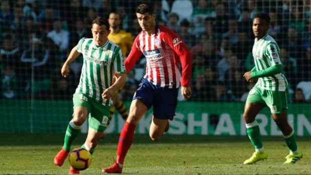El Atlético se atraganta en ante el Betis en el Villamarín en el ... e7dd7d0a062cc