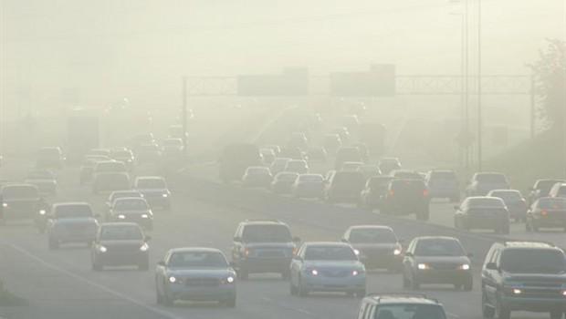ep contaminacion trafico atasco coches niebla