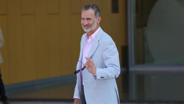 ep el rey felipe vi entra en el hospital universitario quiron salud madrid ubicado en pozuelo de