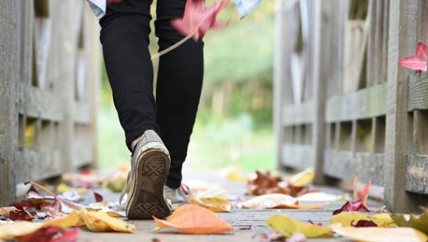 ep pies andando caminando