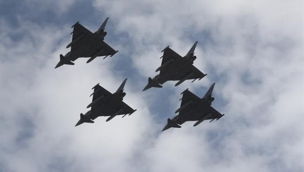 ep un eurofighterestrellaparticipardesfile12octubre