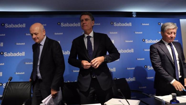ep i-d el director financiero tomas varela el consejero delegado del banco sabadell jaime guardiola