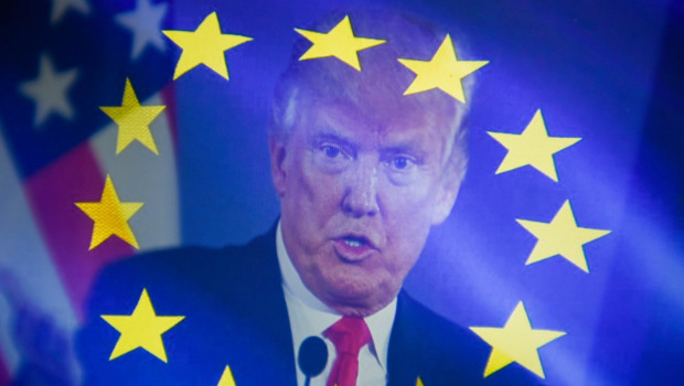 presidente-eeuu-donald-trump-bandera-europea-sobreimpresionada