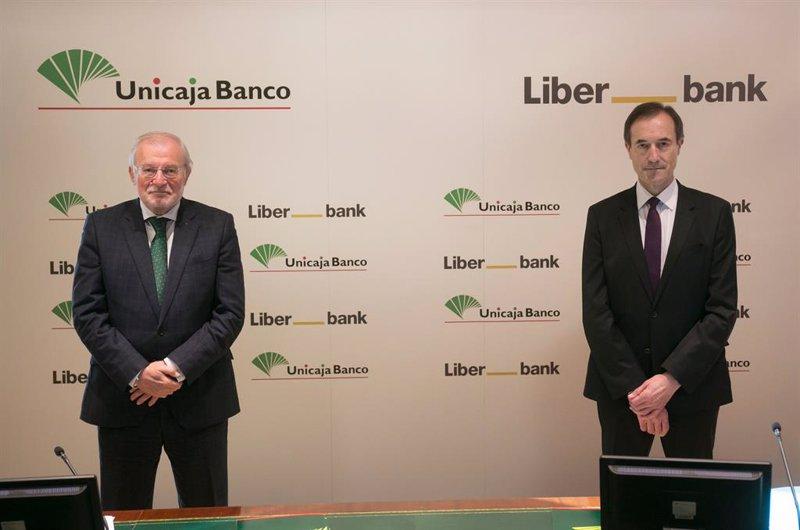 Liberbank prejubilará al 20% de su plantilla: 750 empleados en excedencia mayores de 57