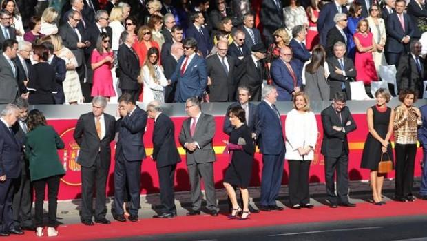 ep los ministrosgobiernorajoy durantedesfilela hispanidad