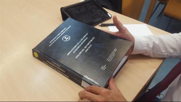 España: Pedro Sánchez es acusado de haber plagiado su tesis doctoral