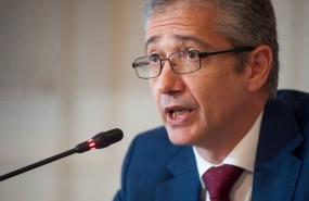 ep pablo hernandez de cos gobernador del banco de espana durante su intervencion en el curso de